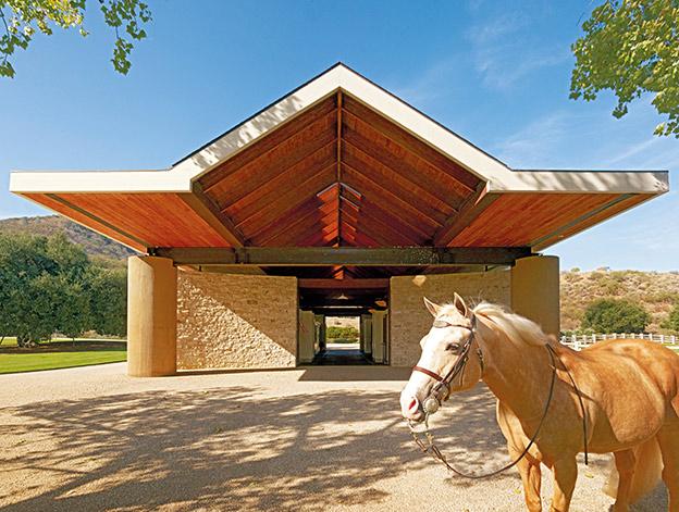 luxury-equestrian-ranch-california-14