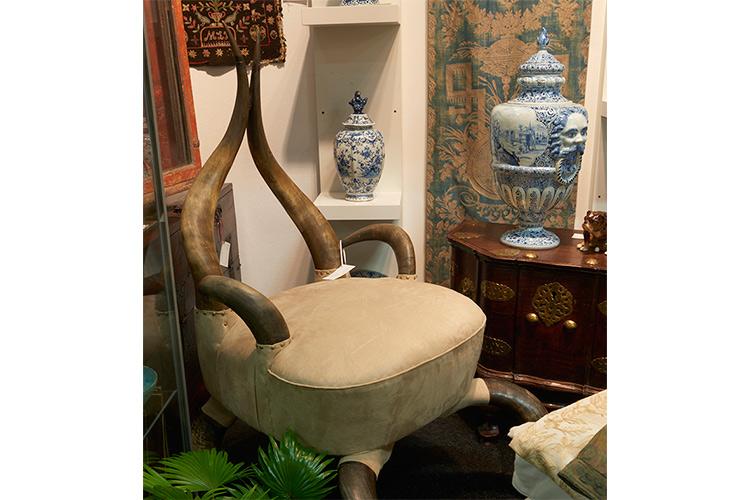 Suprising Seating at Galerie Arabesque