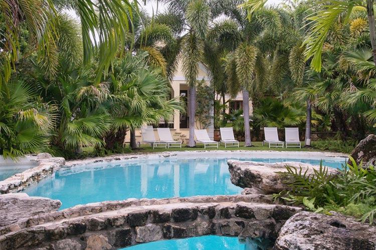 kilkee-house-paradise-island-nassau-bahamas_06-1500x570