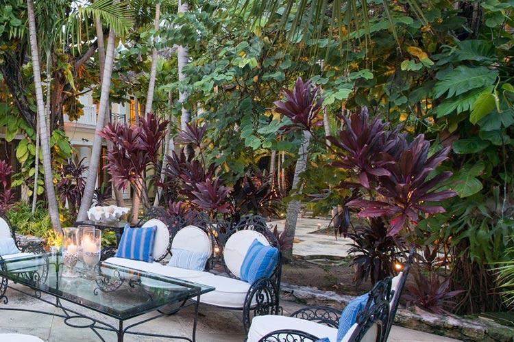 kilkee-house-paradise-island-nassau-bahamas_07-1500x570