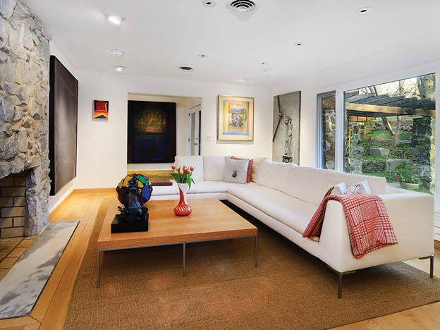 Contemporary-Home-in-Palisades-NY-featured-img