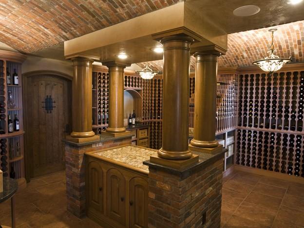 NE-Wine-cellars-columns