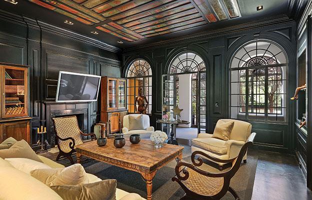 Classic facade and modern interior create enviable for Den interior design