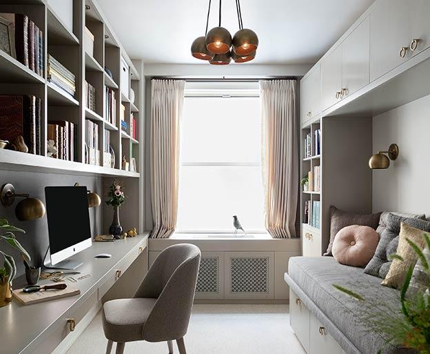 Interior designer elizabeth aurandt transforms narrow for Manhattan interior designs
