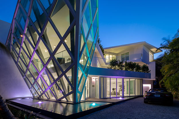 miami-modern-architecture-luxury-living-night-2