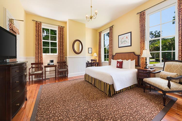 The Jekyll Island Club Resort bedroom
