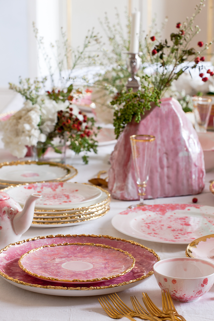 modern holiday tablescape