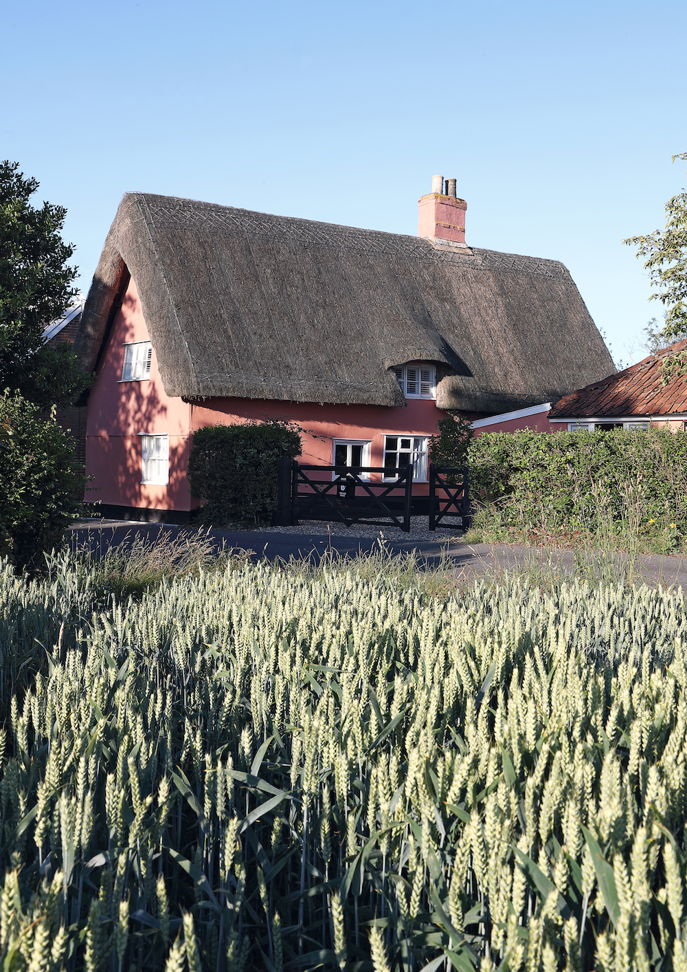 History Is Celebrated In This Modernized English Country Cottage