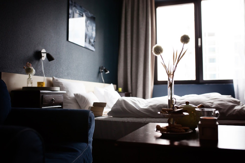 How To Decorate Your Bedroom Like A Professional Designer